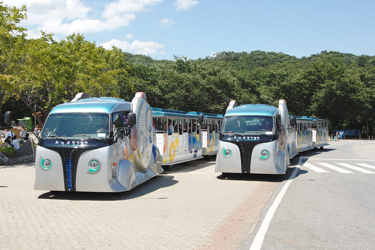 KAIST On-Line Electric Vehicle